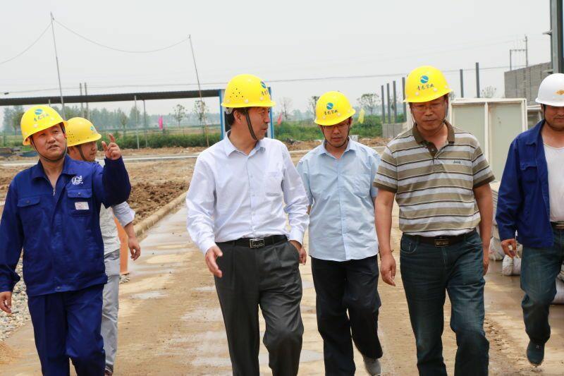 AG捕鱼王APP下载管业党委书记陈家兴指导厂区建设~1.jpg